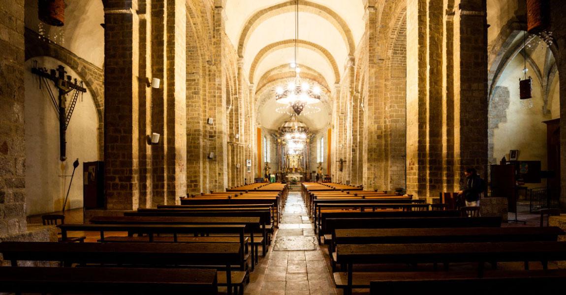 tourisme balade arriere pays plaine cathedrale elne visite
