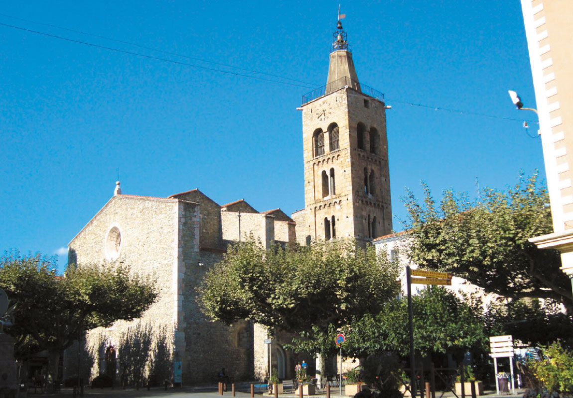 prades eglise tourisme visite balade typique catalan
