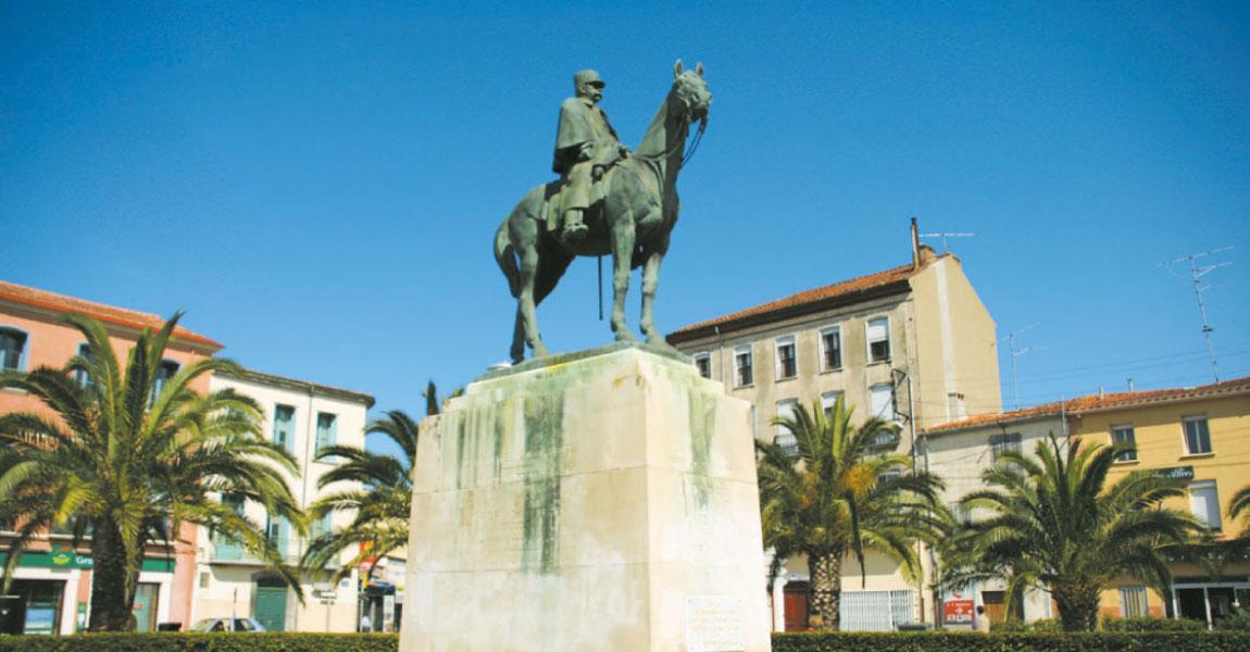 tourisme salanque visite balade rivesalte statue
